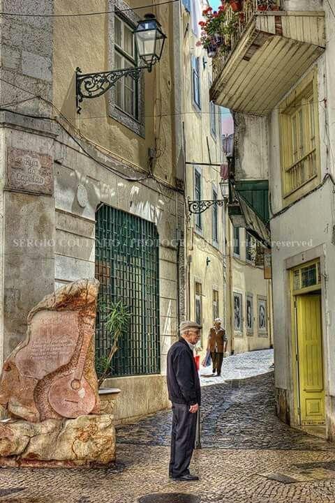 Mouraria - Lisboa - Portugal ( retirado da net ).