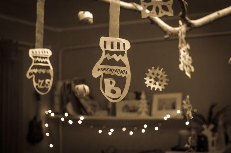 Hanging mittens   winter decor