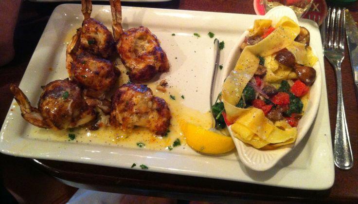 Pappadeaux Restaurant - Grapevine, TX http://blueskyahead.blogspot.com/2014/04/pappadeaux-grapevine-tx.html#links
