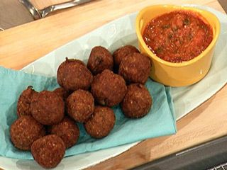 Eggplant Parm Bites  i wanna try this!!! Just need a guinea pig lol