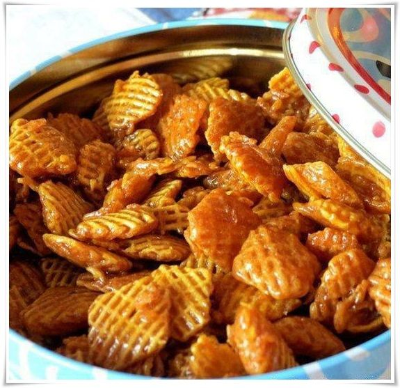 Caramel Crispix Ingredients : 2 small boxes of Crispix Cereal 2 cups of butter 2 cups of brown sugar ½ cup Light Karo ...