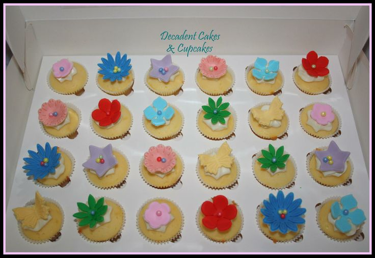 <3 Mini Vanilla Cupcakes <3 Made By Decadent Cakes & Cupcakes