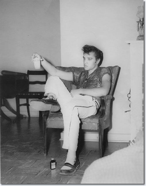 Elvis Presley in the Manager's house at the Drive-In : July 15, 1955