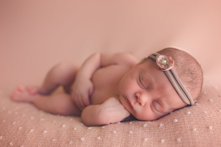 Newborn Photography - Elizabeth Pohlmann Photography girl newborn photography Queensland Hervey Bay
