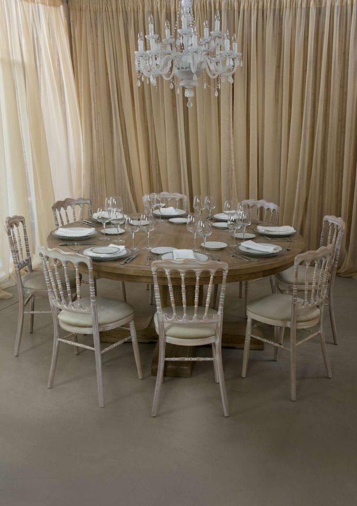Dinner Table Chateau & Napoleon Chair & Light Element Royal, Σύνθεση.