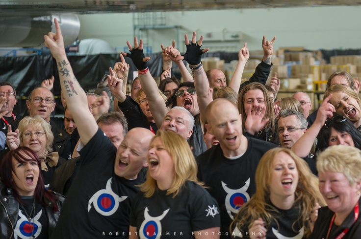 Knock out Kaine fans at #XH558's hanger enjoying the music under the wings of the #Vulcan.