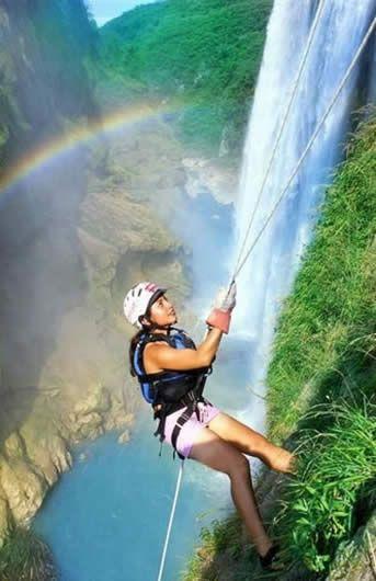 Rappelling, Tamul Waterfall, San Luis Potosi, Mexico | Milaviainter Travel