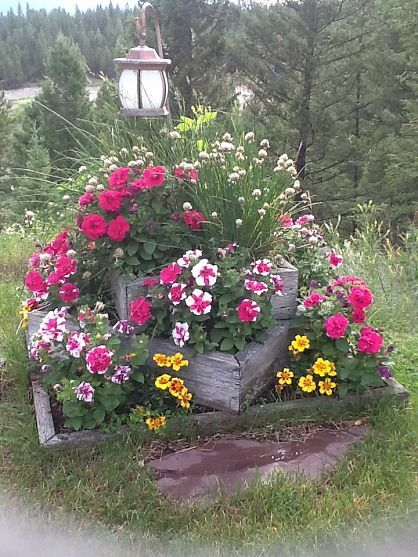 Perfect to put over an old stump in the yard... so pretty!