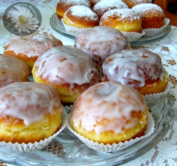 Kulinarne szaleństwa Margarytki: Coś słodkiego na karnawał (pączki, Frittelle di Carnevale, faworki/chrusty, oponki serowe, gniazdka/pączki hiszpańskie, churros, pączki z piekarnika, ciasteczka serowe, rogaliki topione, racuchy drożdżowe pachnące cynamonem, gofry, bezy farbowane!, ciasteczka wyciskane, odrywaniec cynamonowy)