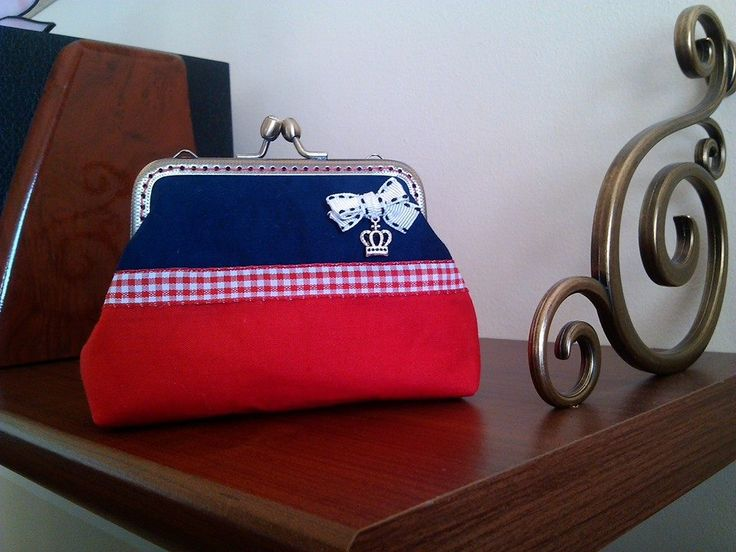 Piros-kék handmade kistáska, imádom!