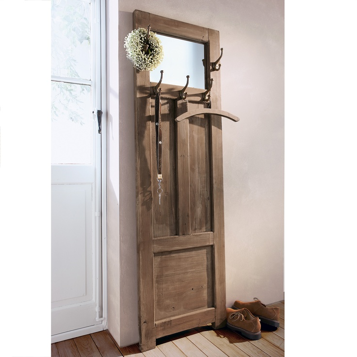 door as wardrobe