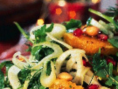 En fräsch sallad som passar till skinka, köttbullar och revbenspjäll.