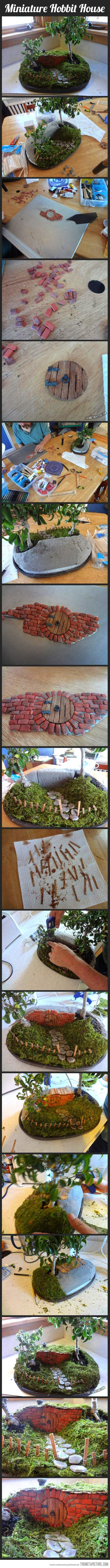 Hobbit house. This would be fun to make! #pin_it @mundodascascas See more Here: www.mundodascasas.com.br