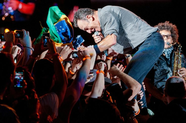 Bruce Springsteen performs on stage during a concert in the Rock in Rio Festival on September 21, 2013 in Rio de Janeiro, Brazil. (Photo by Buda Mendes/Getty Images)
