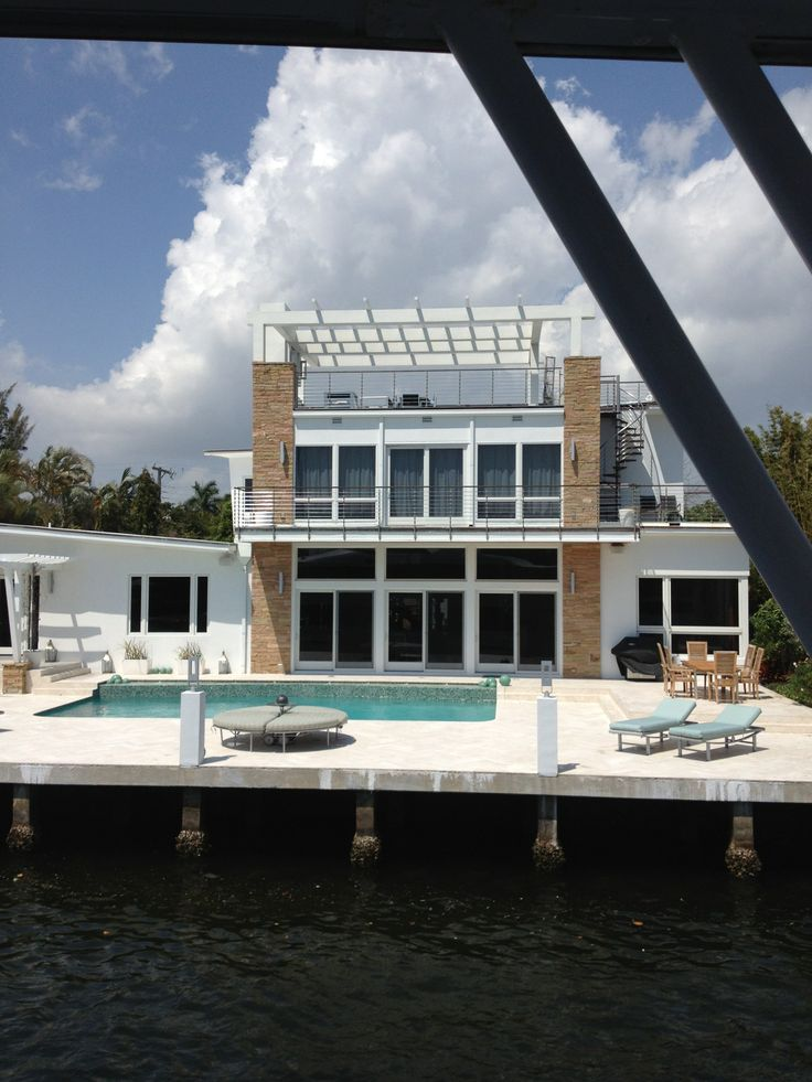 Contemporary flair ready to see some great Fort Lauderdale Waterfront http://www.fortlauderdalegroup.com/waterfront-fort-lauderdale/over-1000000/