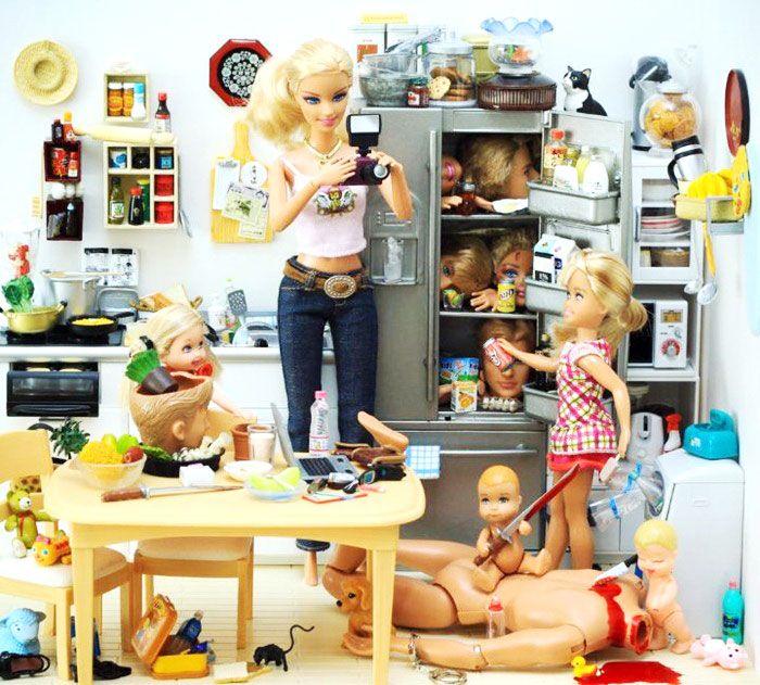 barbie slaat aan het moorden #kunst