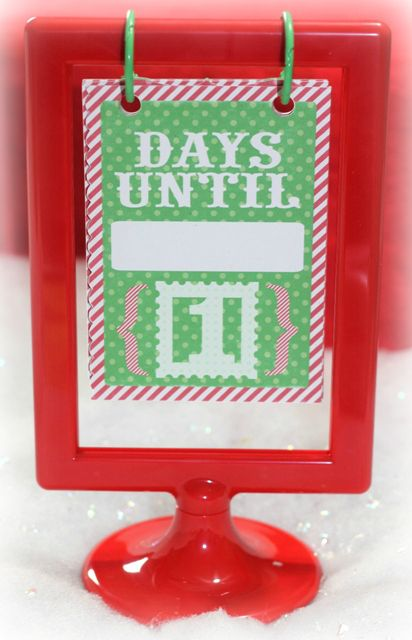 Photo Frame Hanging Advent Countdown Calendar – IKEA frame #IKEA #Christmas #AdventCalendar