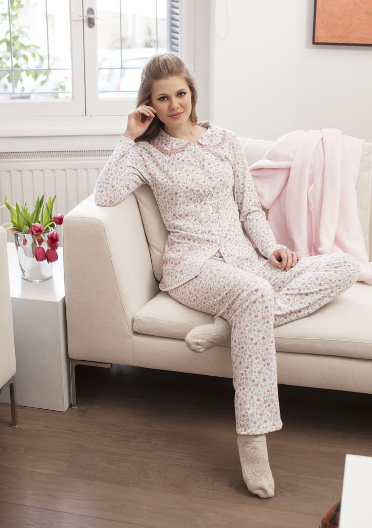 Pyjama in cotton flower print