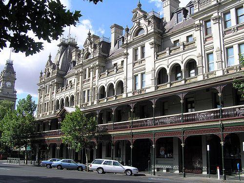 Shamrock Hotel, Bendigo - one of the hotels that gold built...