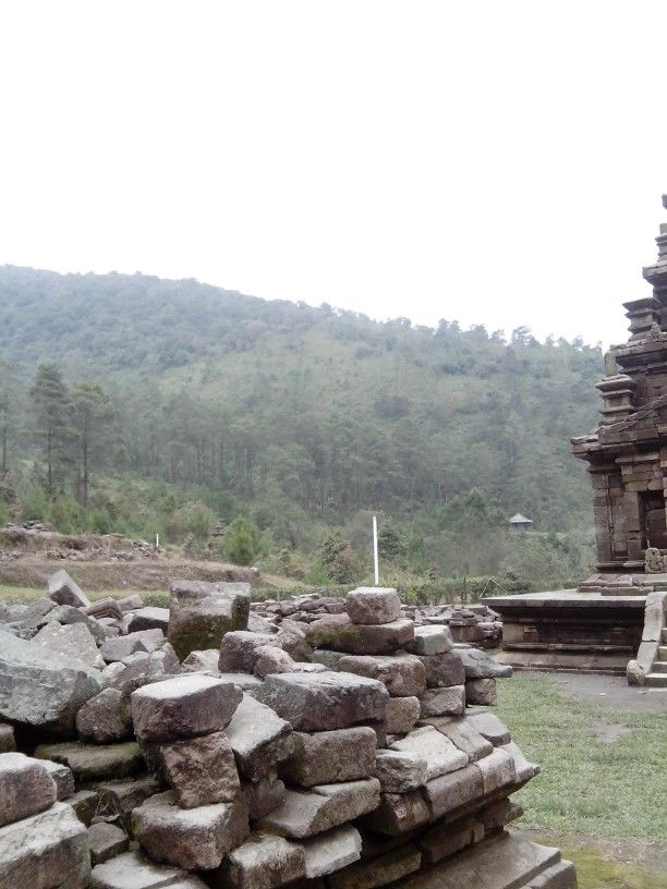 Scenery from the fourth temple of gedongsongo