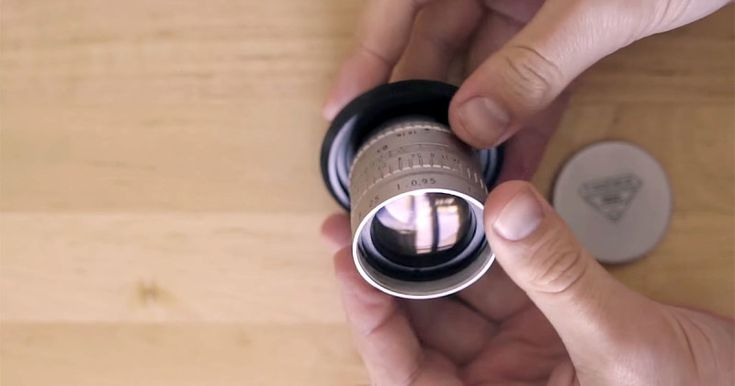 Review: The Angenieux 25mm f/0.95 Lens Was Used for NASA Moon Photos