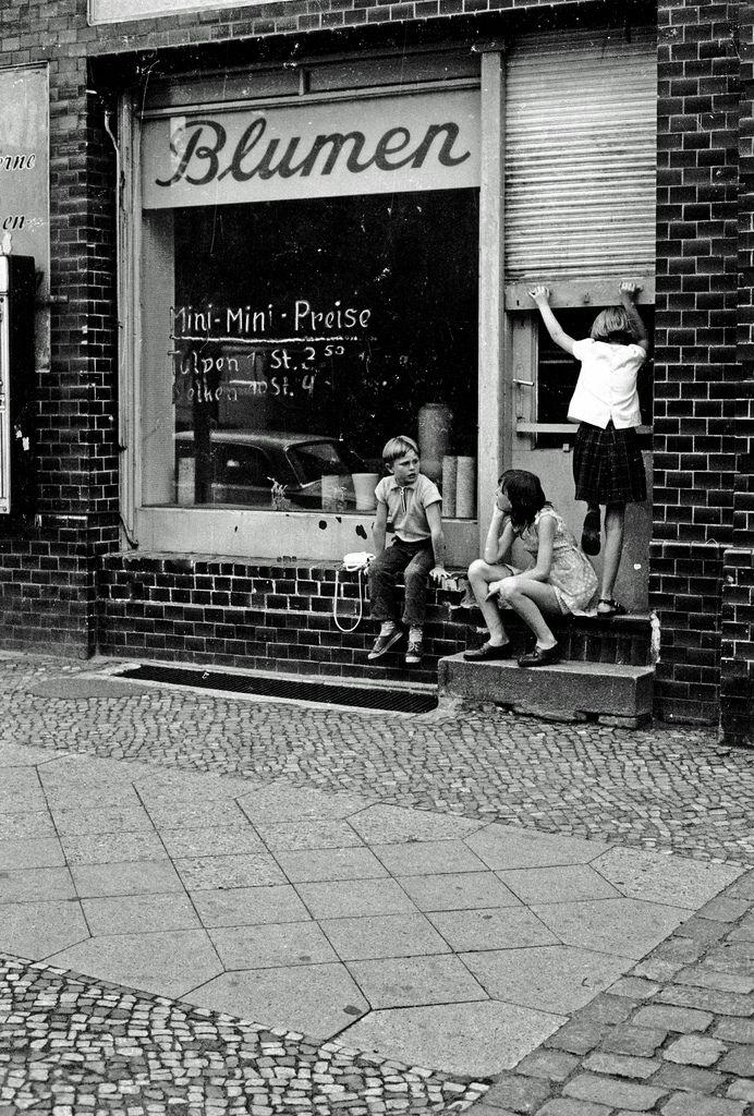 BERLIN 1970 im Kiez:  Damals fast noch Nachkriegsdeutschland. Foto: Heinrich Klaffs, www.hklaff.de