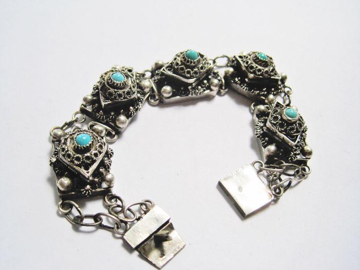 Guardapelo pulsera, pulsera de plata compartimiento secreto desde Egipto, joyería egipcia, Link pulsera de Anteeka en Etsy https://www.etsy.com/es/listing/486970501/guardapelo-pulsera-pulsera-de-plata