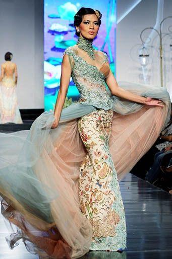 Anna Avantie Turquoise kebaya