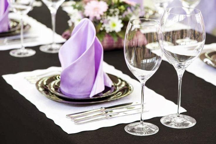 Feestdagen | Tafeldekken en servetten vouwen volgens de etiquette