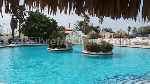 Seru Coral Resort Willemstad Seru Coral Resort is an apartment situated in Willemstad, 7 km from Jan Thiel Beach. The apartment is 7 km from Curacao Sea Aquarium. The nearest airport is Curacao International Airport, 12 km from Coral Resort Seru.