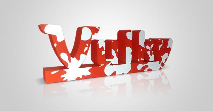 Vulky en corcho y serigrafía.