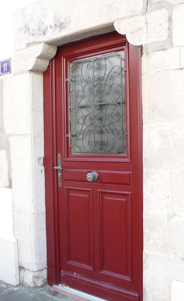 Red Door 120 best decor black