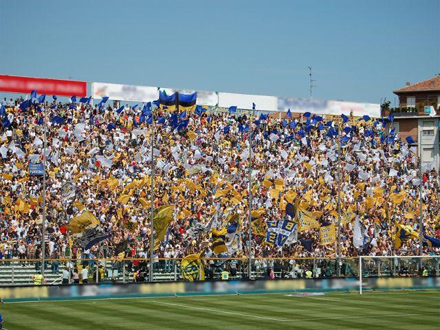 Dopo il fallimento il Parma Calcio vince il campionato di serie D ed ora è pronto ad una nuova avventura: la Lega Pro