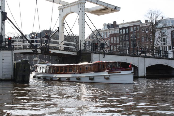 MS Soeverein, Skinny Bridge Amsterdam, Kiss and have a blessed marriage!