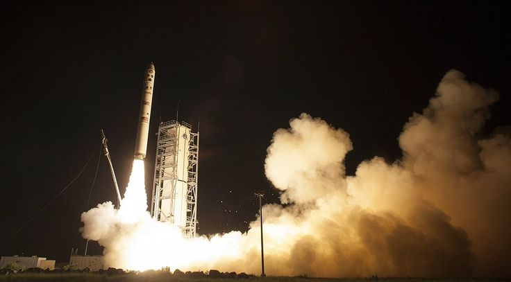 Newsela | LADEE launches to the moon to study atmosphere and dust