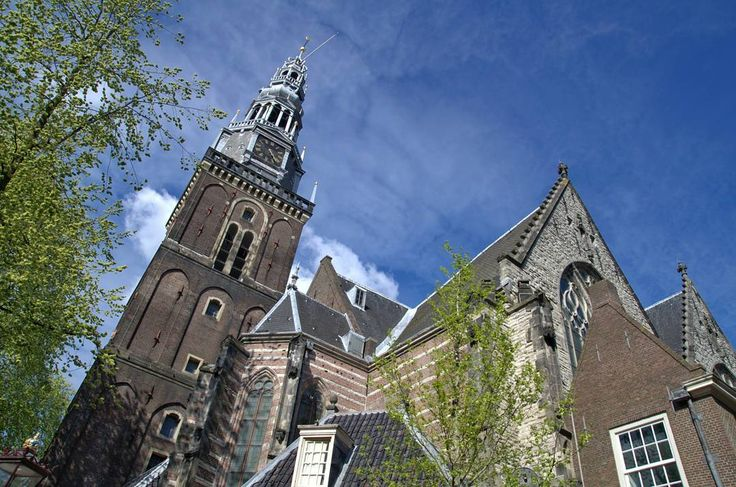 Oude Kerk (Old Church) in Amsterdam  #amsterdam #netherlands #amsterdamworld #travel #afternoon #oudekerk #church #oldarchitecture #architecture #tower #bluesky #street #streetphotography #nikon #nikonphotography