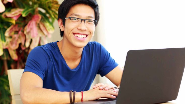 Are Online Degrees Worth It? – Cost, Perception & Downsides
