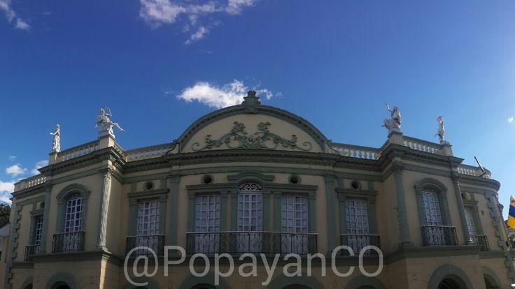 Panorámica del teatro municipal Guillermo Valencia