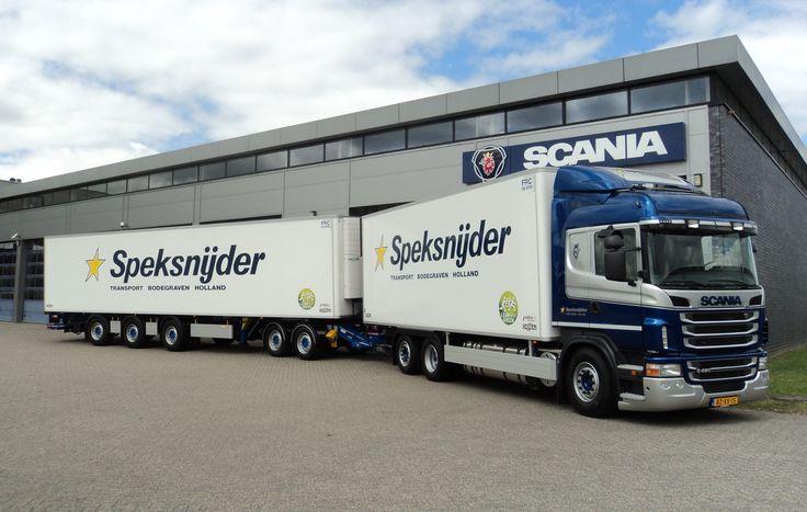 LZV van Speksnijder, bakwagen met trailer.