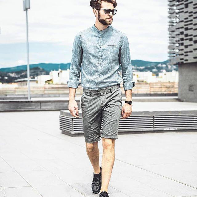 The Distretto12 man in citizen style.  #distretto12 #sobriaoriginalita #madeinitaly #man #model #fashionman #fashion #fashionoftheday #outfit #outfitoftheday #instafashion #swag #style #stylish #uomoviaggiatore #travellingman #bestoftheday #fun #golook #look #igdaily #instamood #moda