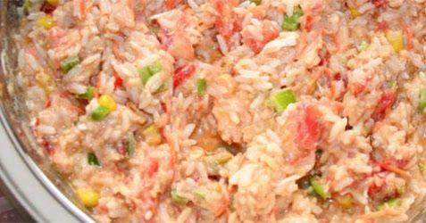 Recetas de arroz/ensaladas.   Sigamos con otros de las excelentes recetas de ensaladas hoy con un ingrediente principal de arroz que de seg...