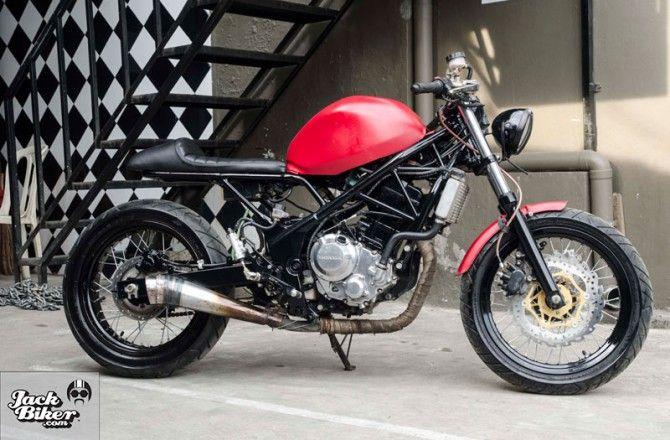 Modifikasi Honda CBR250R Gaya Cafe Racer