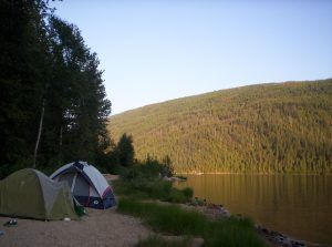 O vara de neuitat: ce ne trebuie in camping?