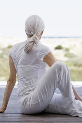 lower back pain and sciattica stretches from livestrong and national institute on aging