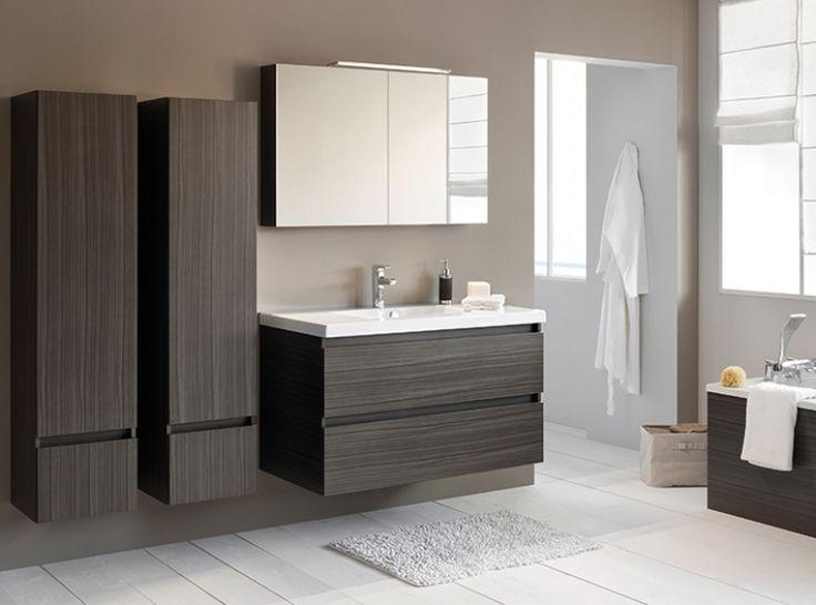FACQ - Salle de bain sobre, esthétique et épurée.