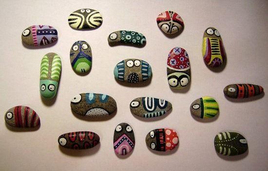Piedras Decoradas: http://www.manualidadesinfantiles.org/piedras-decoradas/