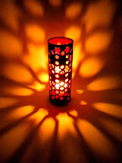 Lanterna portacandela, decorazione motivi etnici.