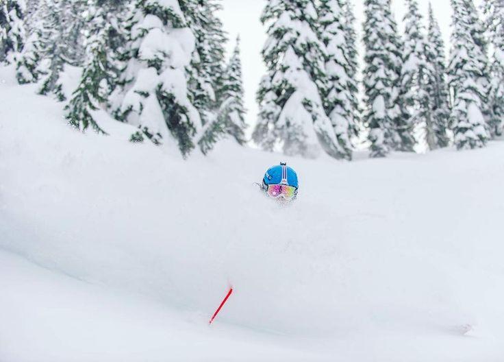 Kelsey Serwa covered in fresh snow. Picture: @kelseyserwa