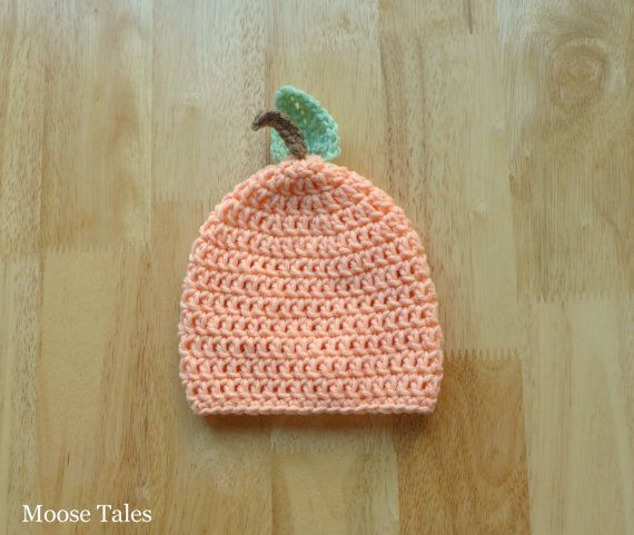 Moose Tales: Crochet Baby Peach Hat #peach #babypeach #moosetales #peachy