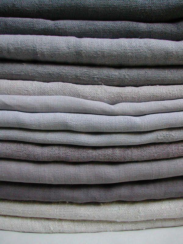 Linen curtains in grey tones